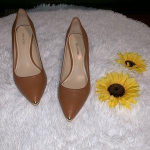Por La Victoire Gold-metal Tip heels